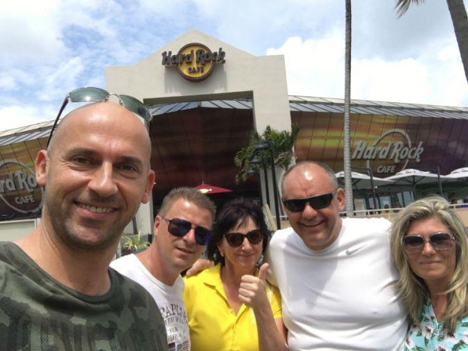 2.4.2017 | Klienti Szebeczeder, Meszaros – Hard Rock Cafe – Pravy Americky Hamburger